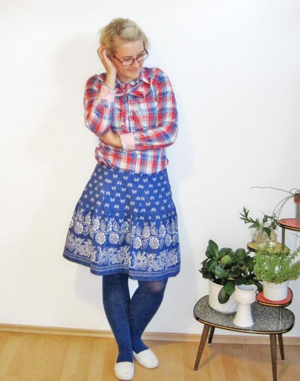 Refashion: Blauer Bauernrock - nachher