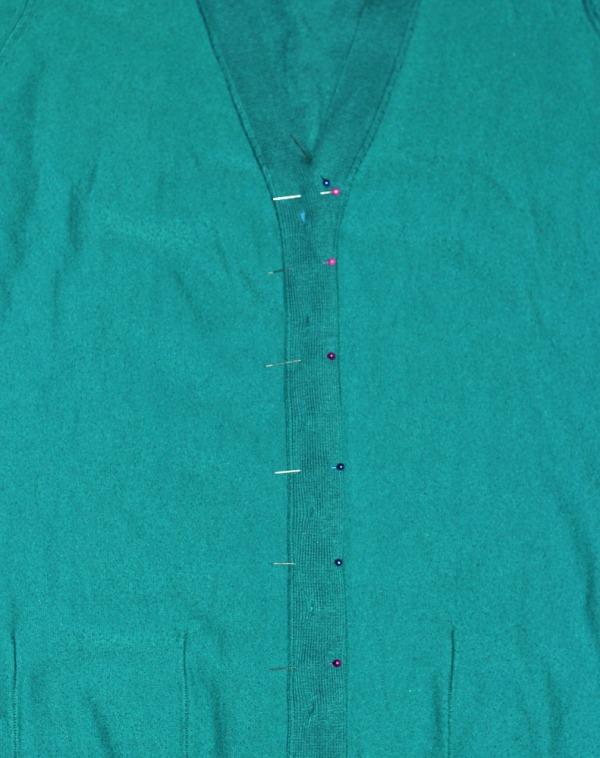 Ninutschkanns: Refashion Strickjacke mit Knopfleiste am Rücken